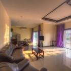 บ้านเลิศธารา หัวหิน พูลวิลล่า