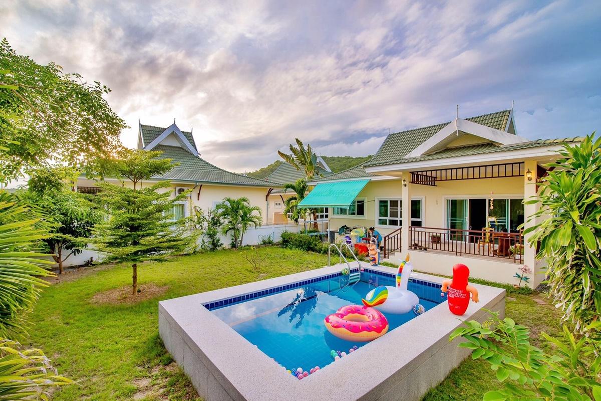 บ้านแพรรุ้ง หัวหิน พูลวิลล่า